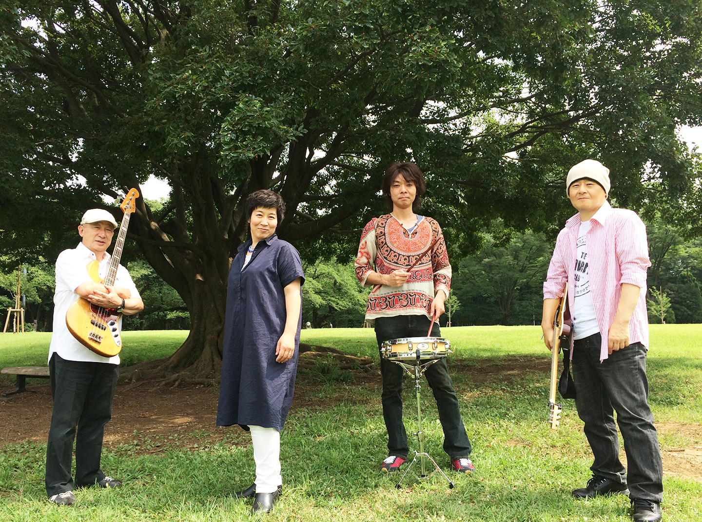 The Lunch Box Band official website開設!
